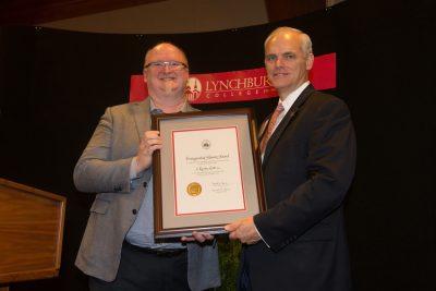 Kevin Scott receives the Distinguished Alumni Award